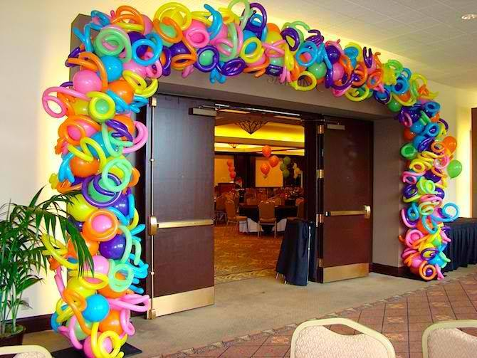 Decorating With Balloons2