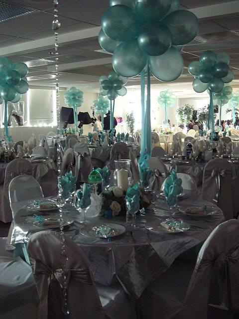 Decorating With Balloons3