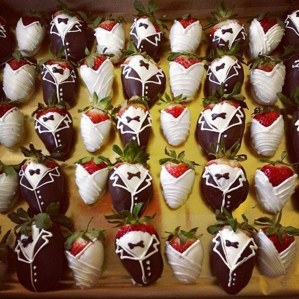 Strawberries_Bride_and_Groom2