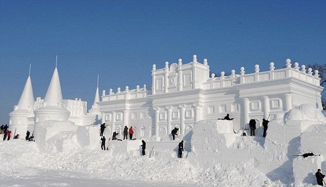 Snow sculptures2