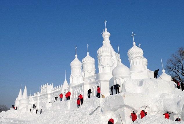 Snow sculptures3
