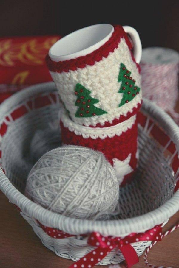 crochet christmas mugs5