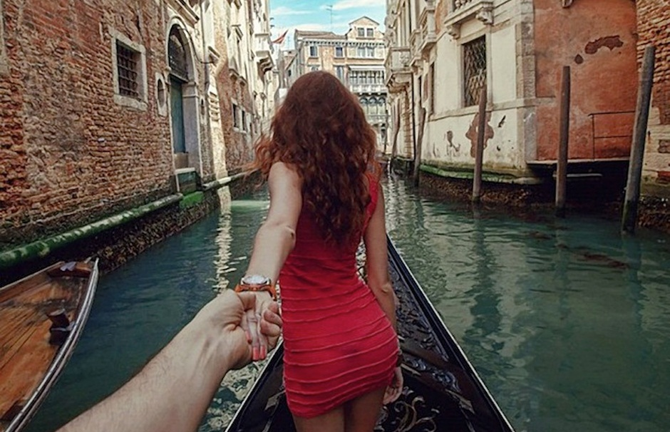Photographer Follows His Girlfriend Around The World5
