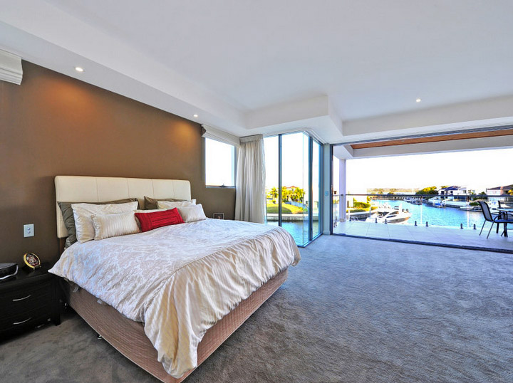 Stunning waterfront residence5