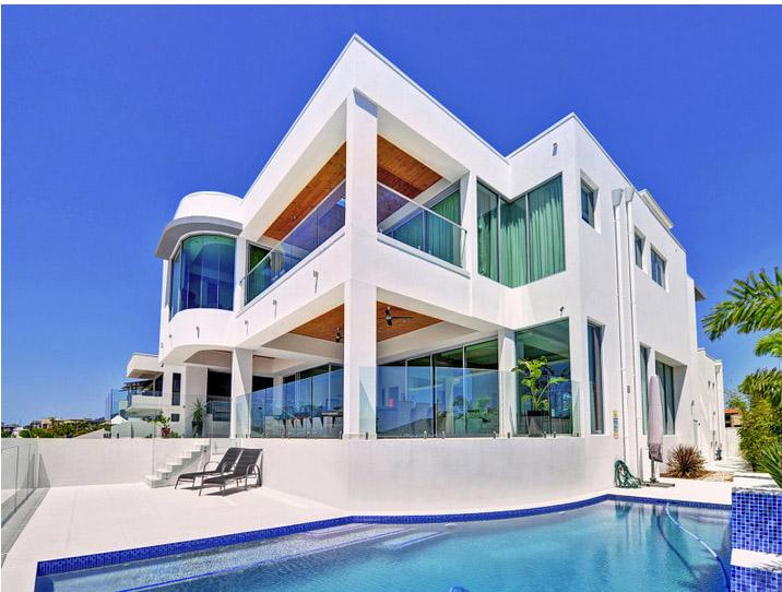 Stunning waterfront residence8