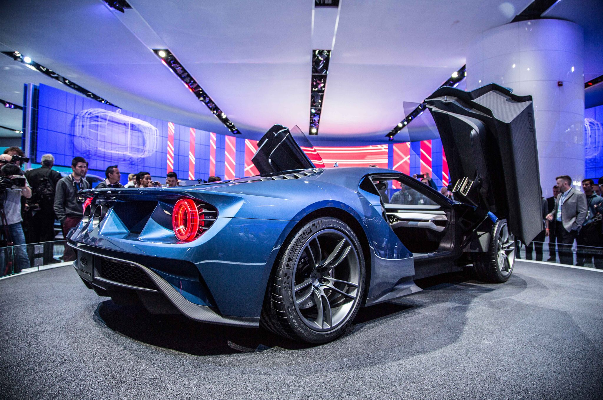 Ford GT Revealed in Detroit2