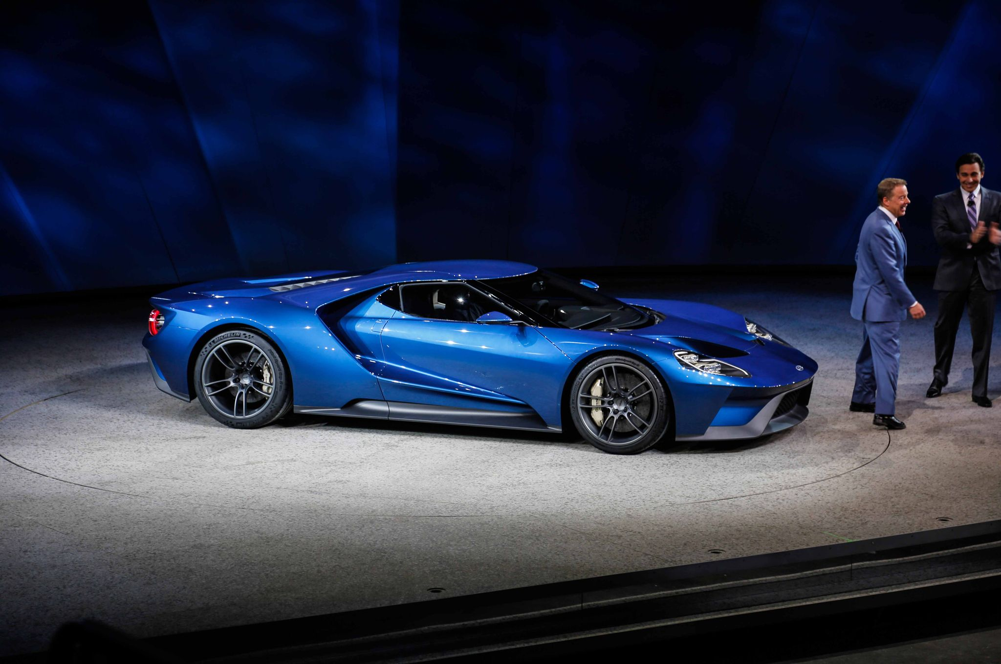 Ford GT Revealed in Detroit4