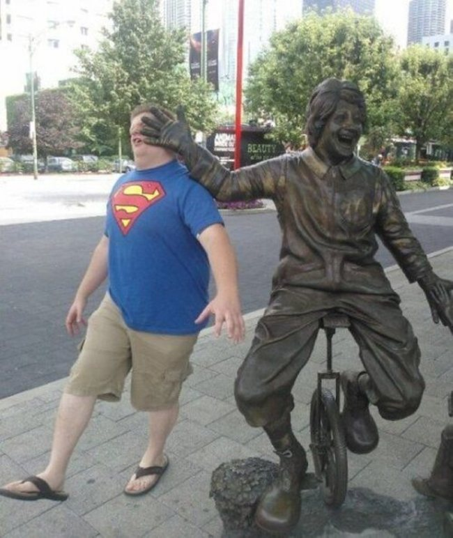 People Who Ruined These Statues In The Best Way Possible4