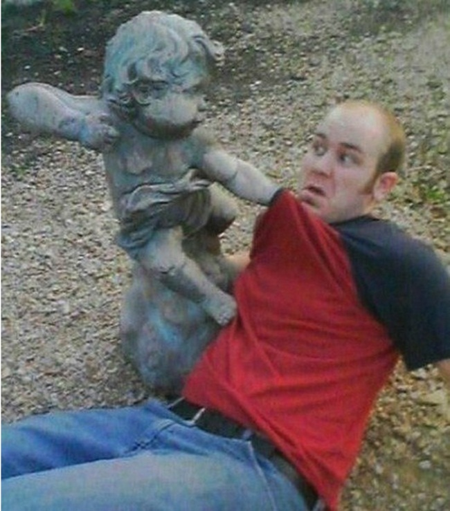 People Who Ruined These Statues In The Best Way Possible6