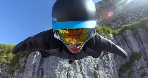 Astonishing Wingsuit Flying, Switzerland