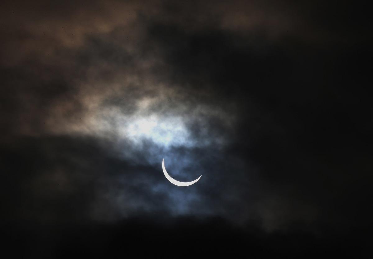 A total solar eclipse5