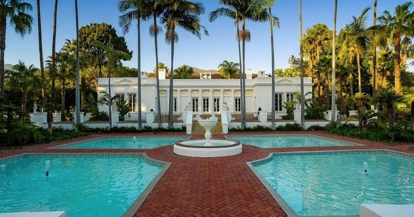 """""""Scarface"""" Mansion Is Up For Sale (35M$)"""