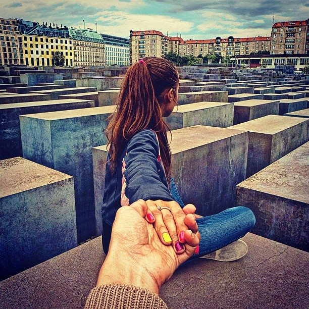 photographer Murad Osmann continues to be led around the world by his girlfriend4