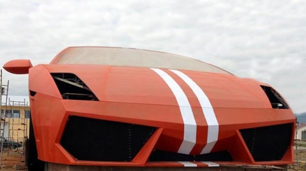Russian football team builds giant Lamborghini outside stadium2