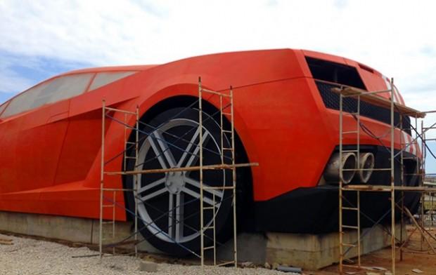 Russian football team builds giant Lamborghini outside stadium3