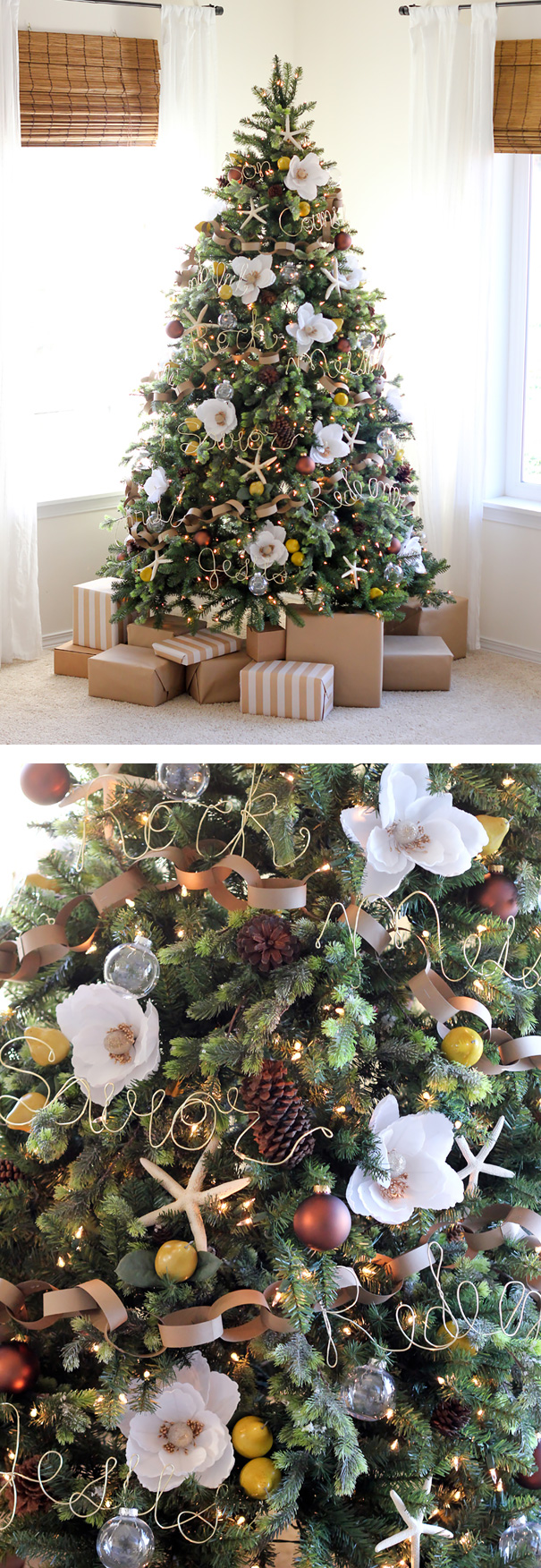 People Are Decorating Their Christmas Trees With Flowers And The Results Are4